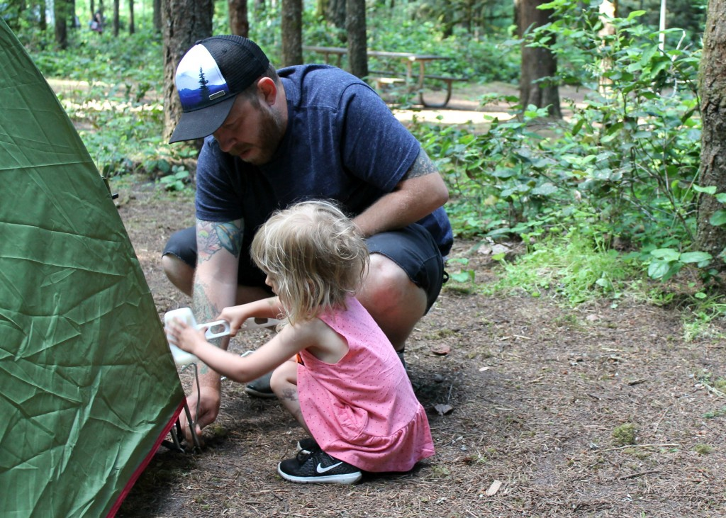 Oregon Adventures | Camping at Oxbow Regional Park | Naturally Family
